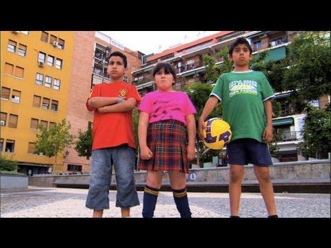 La Pelota de Fútbol / The Football / The Soccer ball