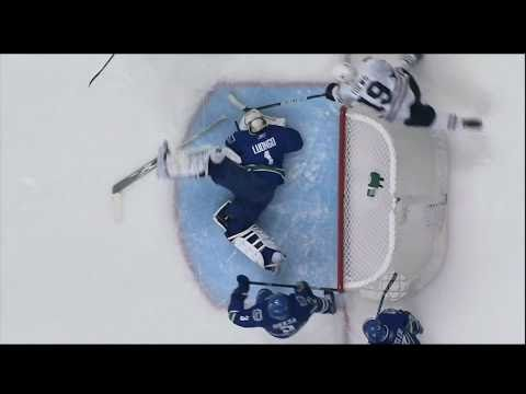 Roberto Luongo Save - Canucks Vs Hawks - R1G1 2011 Playoffs - 04.13.11 - HD