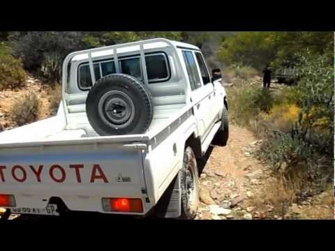 2013 Land Cruiser double-cab does 'The Kloof'
