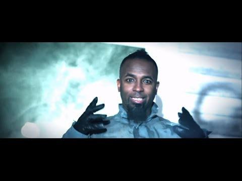 "Tech N9ne ""Am IA Psycho?"" Official Music Video (Feat. BoB and Hopsin)"