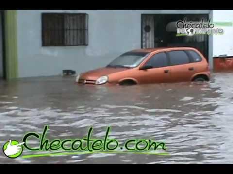 Fuerte lluvia azota a Ciudad Obregón / 8 de agosto de 2011