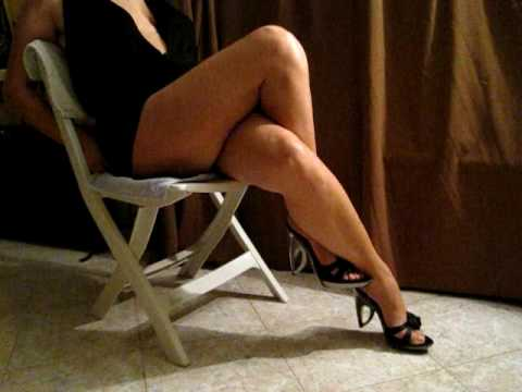 double crossed legs.avi exciting crossed thighs
