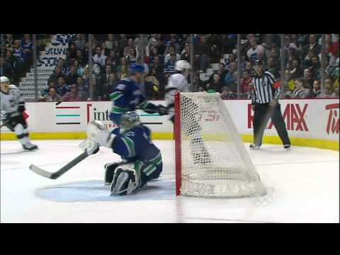 Great Save Luongo - Canucks Vs Kings - 03.26.12 - HD