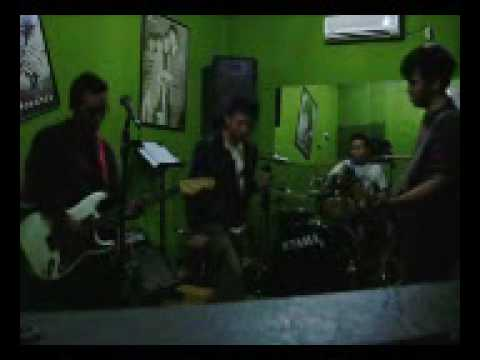 My Old Stereo - Tipuan Kamera (Live)