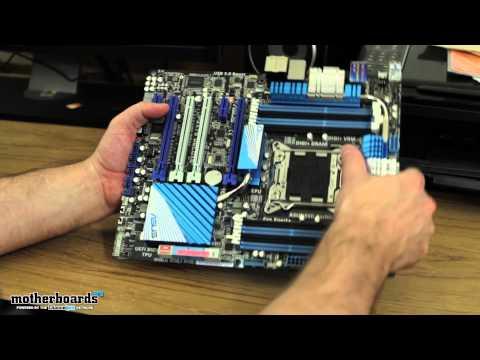 ASUS P9X79 Deluxe LGA 2011 Motherboard Unboxing & Hands-On
