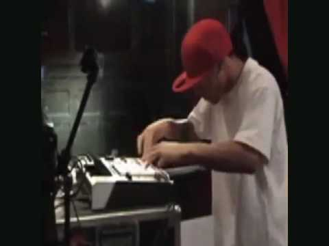 AraabMuzik (Dipset's Very Own Producer) Kills The MPC Volume 2!