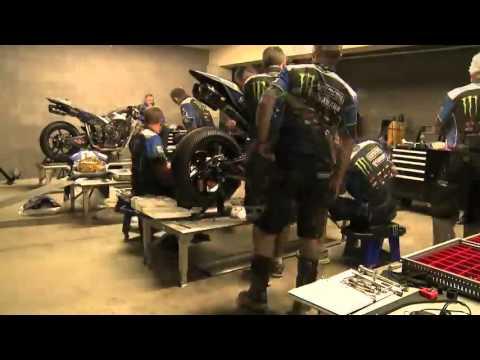 Quá trình lắp ráp xe máy Yamaha R1 trong 5 tiếng đồng hồ