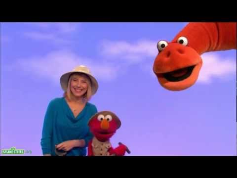 Sesame Street: Amy Ryan and Elmo - Paleontologist