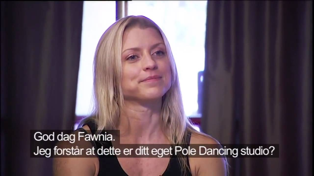 Pole dancing with Fawnia Dietrich - Golden Goal