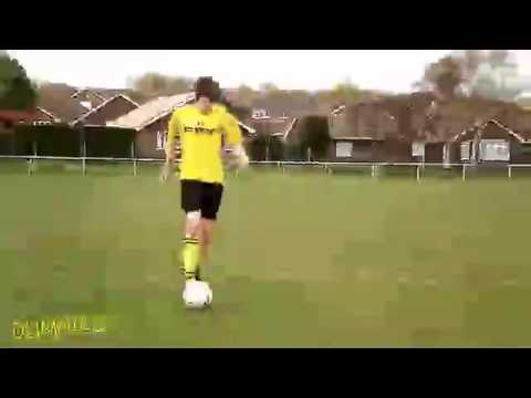 Mastering Basic Football (Soccer) Skills: Passing For Dummies