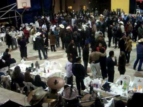 EL CORRIDO DEL VENADO ROJAS baile  de año nuevo en mulege bcs ARRIEROS Año Nuevo 2010