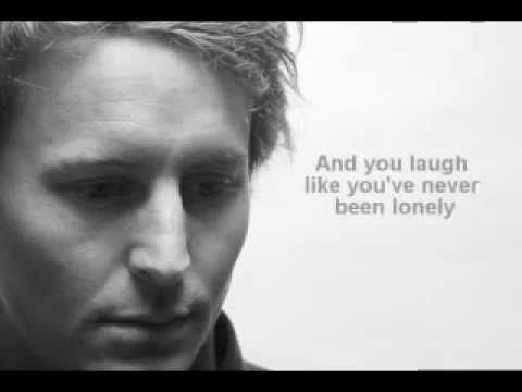 Ben Howard - Bones (with lyrics)