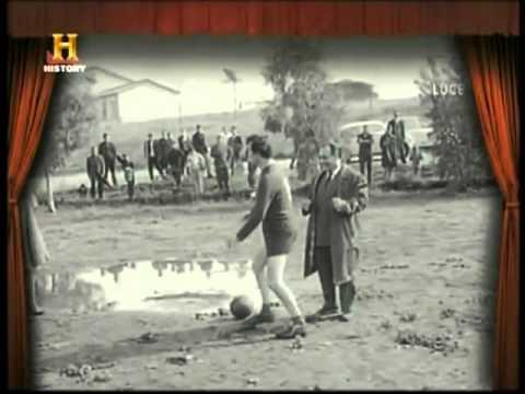 Istituto Luce - Italia anni 1960 - come eravamo - calciatore a gettone.flv