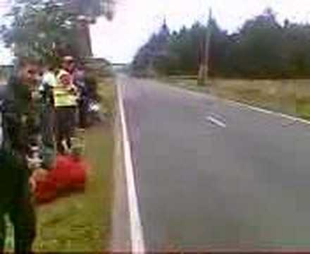 isle of man tt superbike 198mph ( Flyin kilo 198mph)