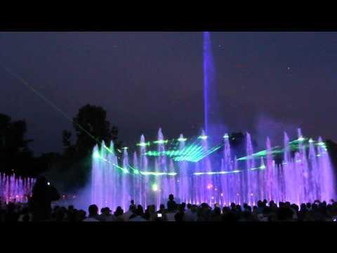 Pokaz multimedialnych fontann w Warszawie w dniu 06.07.2012