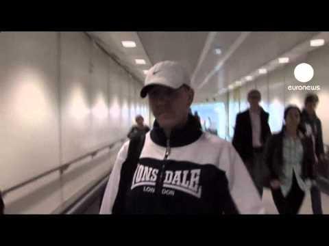Britânico deportado chega a Londres