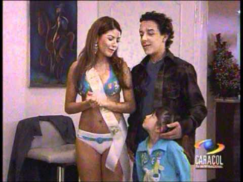 Lina Tejeiro en Bikini Padres e Hijos