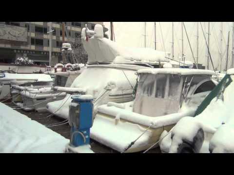 Ricccione a Itàlia durant l'ona de fred Siberià que va assotar Europa al febrer de 2012 amb una extraordinària banda sonora. Un magnífic vídeo de Ricardo Francisco Llardo
