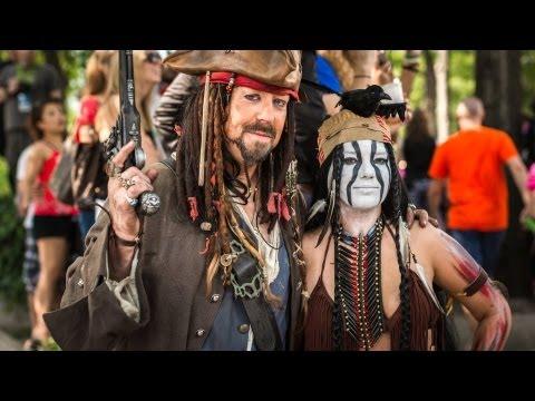Adam Savage Incognito as Jack Sparrow at Dragon*Con 2013 - UCiDJtJKMICpb9B1qf7qjEOA