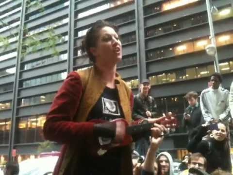 Amanda Palmer - The Ukulele Anthem (Occupy Wall Street 10/12 NYC)