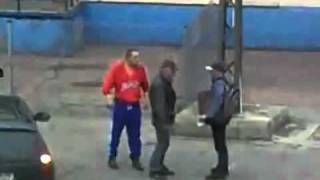 Walka żuli na ulicy