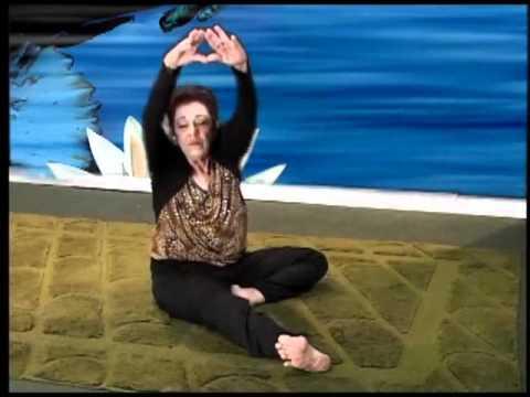 Yoga: Sandra Garcia exercicio para terceira idade