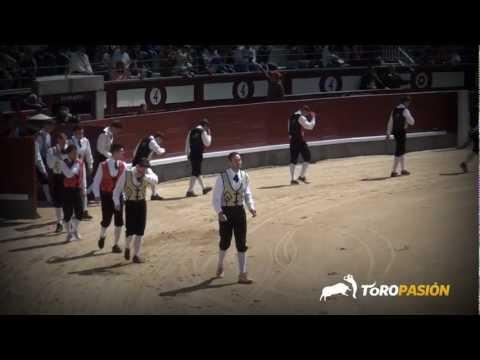 Toropasión - Recortadores Goyesco en Las Ventas 2 de mayo y chicas recortadoras