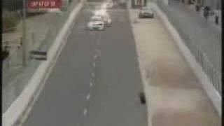 ドライバーよりも転がってるタイヤのほうがパフォーマンスがすごい