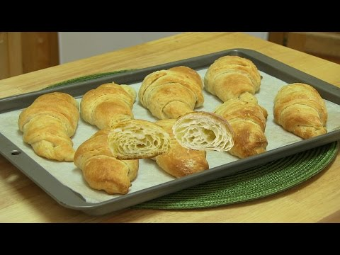 Eggless Croissant Rolls Video Recipe by Bhavna | Flaky & Buttery - superveggiedelight
