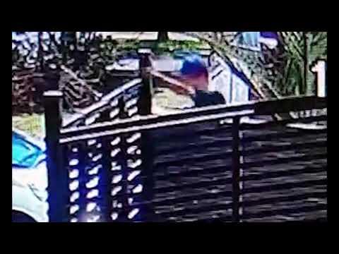 Video: le robaron una bicicleta a un niño de 11 años del patio de su casa