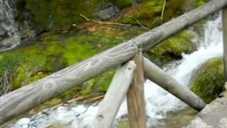 Nacimiento del Río Cuervo en Cuenca, España