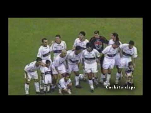 Olimpia Tricampeón de América - Gloria de pocos, deseo de muchos - Cachito clips 2008