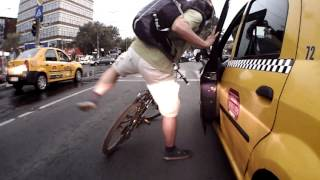 Incident ntre un biciclist i un taximetrist n strad