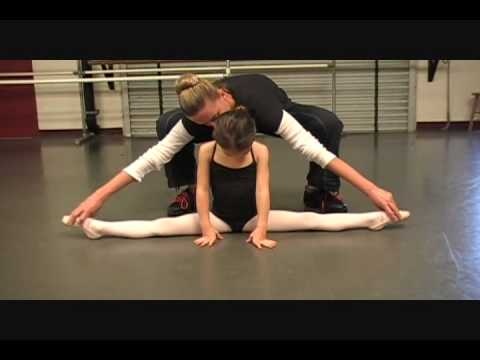 5 year old Kaylee doing Classical Ballet dance (Russian Ballet trained) Level 1/2