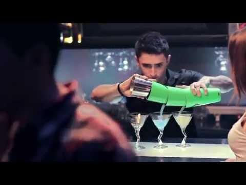 Đỉnh cao biểu diễn của bartender