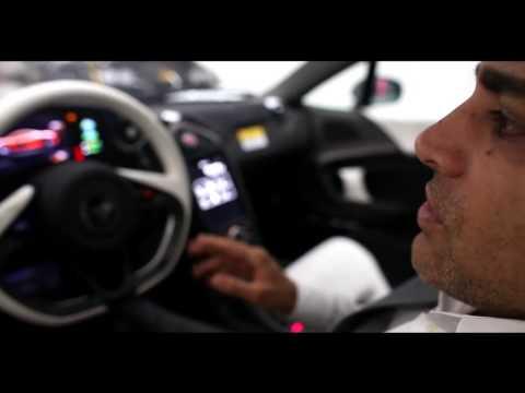 بالفيديو : ثري إيراني يمتلك أسطولاً من السيارات الفارهة