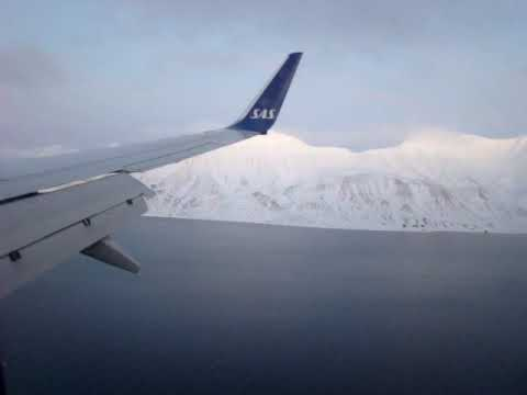 SAS- Boeing 737-700 Winglets lands in Longyearbyen, Svalbard, Norway