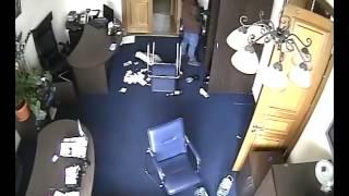 Видео мародерства после освобождения КГГА