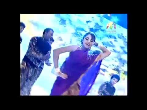Amala Paul's Performance At Vanitha Film Awards 2012