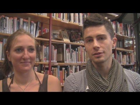 Arnaud Lilian, vidéo duo, Interview et live C'est Ainsi à la Médiathèque de Rillieux la Pape (France). Julia Colmet Daage (violoncelle)