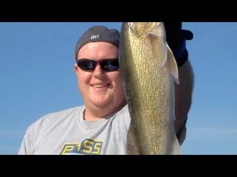 Maynard Lake Fishing - Huge Fish (Giant Musky, Big Pike, Fat Smallmouth, Moose, and Bear)
