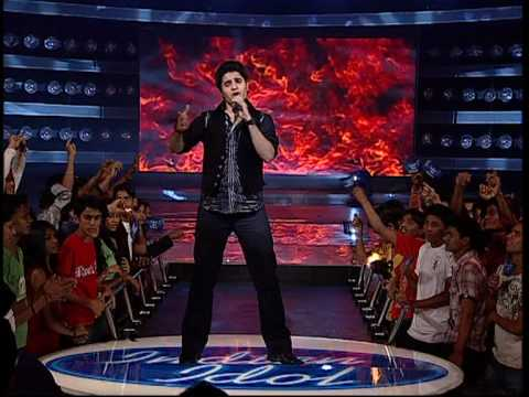 MOhit lalwani Indian idol ,performer singing Tadap tadap ke iss dil se ..