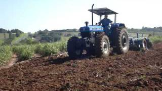 TRATOR NEW HOLLAND 7630 GRADEANDO TERRA  2