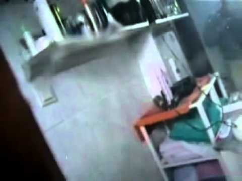 Vogelschreck im Klo Toilettenreinigungs FAIL -kein Konto benötigt!-