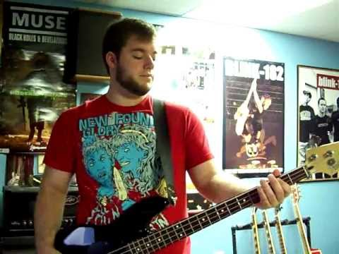 Blink 182 - After Midnight (Bass Lesson)