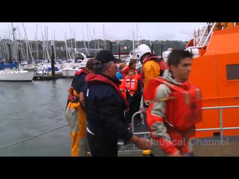 Dramatic footage as the  Astrid Hits Rocks And Sinks Off The Coast Of Cork