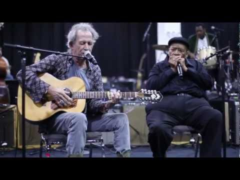 Little Red Rooster - Keith Richards & James Cotton Rehearsing