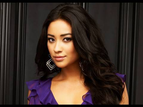 Shay Mitchell Interview: Pretty Little Liars (ABC Family)