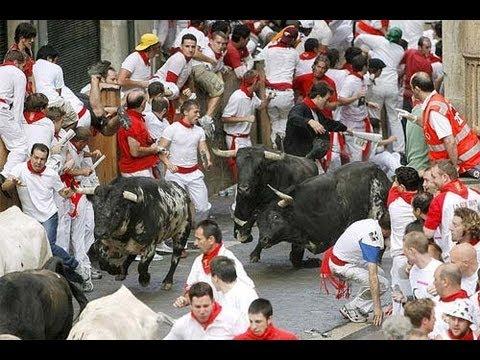 SEGUNDO ENCIERRO San Fermin 2012 | Toros ganadería Miura | 8/7/12