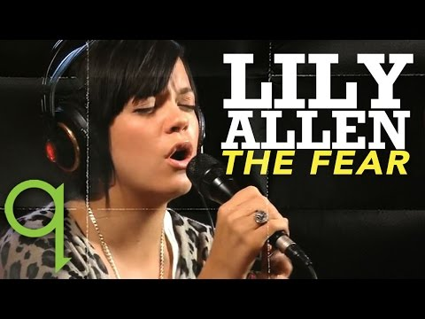 -The Fear- by Lily Allen on Q TV (acoustic version)